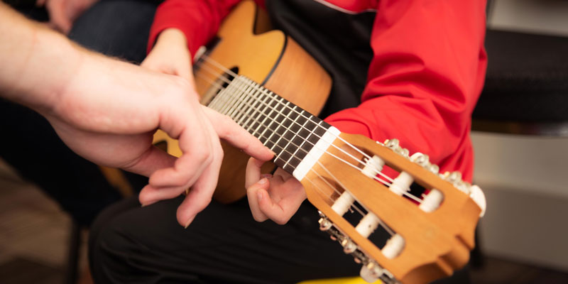 Guitar Lessons at the Academy of Music in Oakville